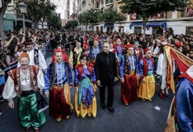 Rafa Garrigós dirige el pasodoble IDELLA que da inicio a las fiestas de ELDA 2015